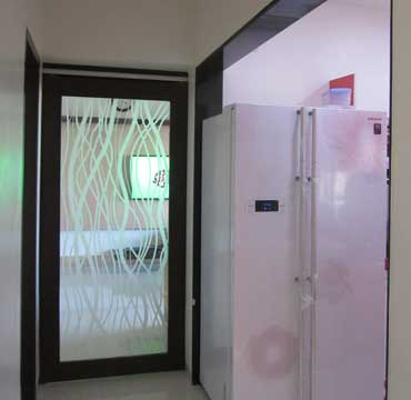 sliding door glass